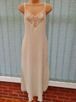 C36X Vtg St Michael Cream Sheer Lace Glossy Crinkle Pleat Satin Nightdress 12