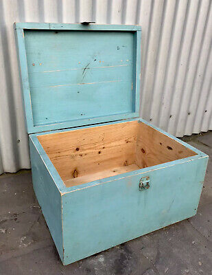 VINTAGE RETRO MID CENTURY 1950s TIMBER TRUNK STORAGE TOY BOX COFFEE TABLE  MELB