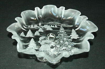 Mikasa Holiday Classics Clear & Frosted Glass Footed Bon Bon Bowl - Snow Scene
