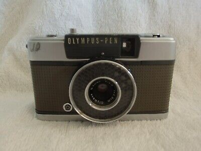 OLYMPUS PEN EE 35mm half frame camera working  condition