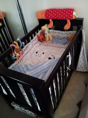 Tasman eco cot bed in excellent condition in 2077