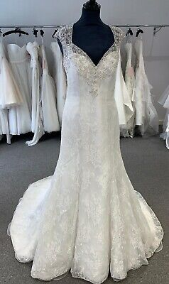 Mori Lee Wedding Dress Size 14/16 Lace And Sparkle Button Detail Illusion Back