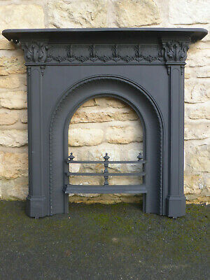 Victorian Cast Iron Fireplace Front with Fixing Lugs, Fire Bars & Mantle