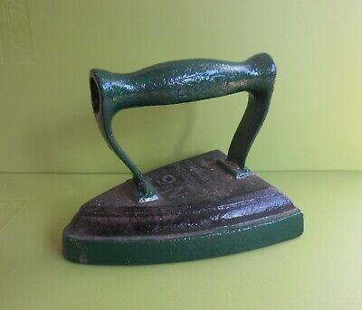 Vintage Antique Cast Flat Iron No 6 J&J Siddons Westbromwich part painted green