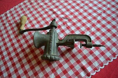 MORAVIA 5 CZECHOSLOVAKIAN Vintage Bohemian Meat Mincer complete with wood handle
