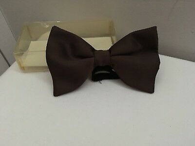 VINTAGE RETRO 70's CHOCOLATE BROWN SATIN ADJUSTABLE BOW TIE +ORIGINAL BOX