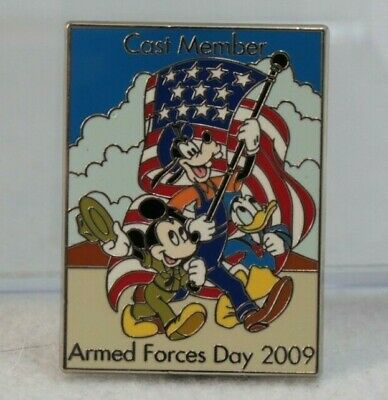 Disney Parks Cast Exclusive Pin Armed Forces Day 2009 LE 1250 Mickey Goofy