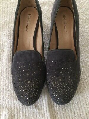 Beaded Court-shoes,size 41 by Blue Illusion
