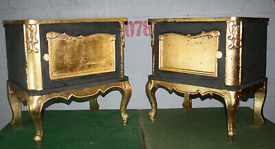 Gold leaf pair of Hollywood Regency bedside cabinets tables nightstands 1920s