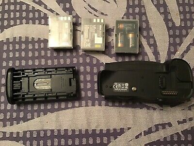 Nikon MB-D10 Battery Grip for Nikon D300 & D700 Camera and Spare Batteries