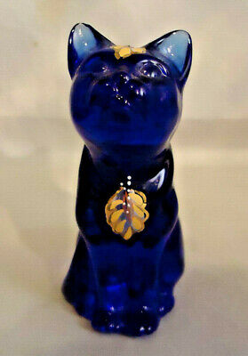 """Fenton Cobalt Blue Glass Cat Figure Handpainted And Signed By Artist 3 3/4"""" Tall"""