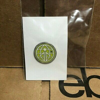 Disney Parks Pin   Green Welcome Globe Hidden Mickey   Pre-Owned