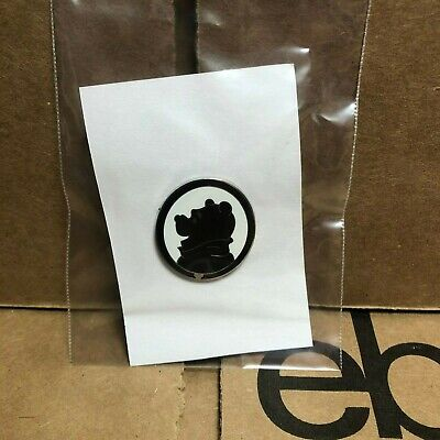 Disney Parks Pin   Winnie the Pooh Hidden Mickey Silhouette   Pre-Owned