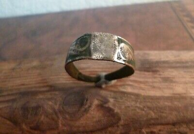 Lovely Post Medieval Tudor Or Stuart Ring With Scroll Decoration-Metal Detecting