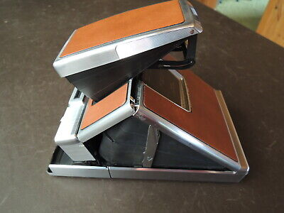 POLAROID SX-70 Land Camera, Vintage Working Model, with Original Leather Case