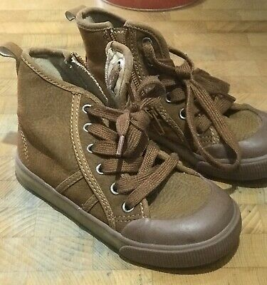 TODDLER BOYS BEIGE / BROWN WINTER BOOTS BABY GAP UK 9 infants EX.CONDITION