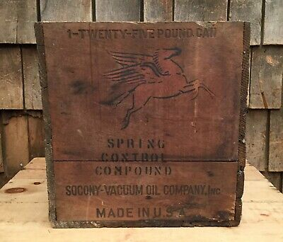 Vintage SOCONY VACUUM Oil CO. Spring Control Compound Oil Can Box Crate Pegasus