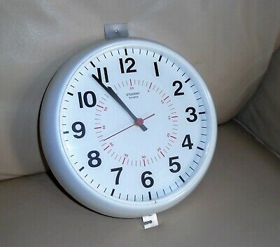 Vintage ACCUTEC STUDENT School Factory White Wall Clock. Inner Seconds Dial. b