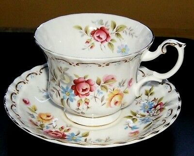 Royal Albert Tea Cup - Jubilee Rose - Bone China England