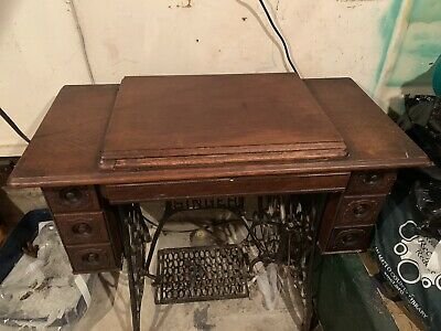 Early 1900's Antique Treadle Singer Sewing Machine With Oak Cabinet