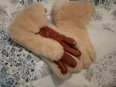 Vintage 1950s sheepskin gloves