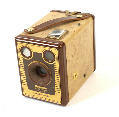 Vintage Kodak Brownie Model F with flash contacts Camera (collectable)