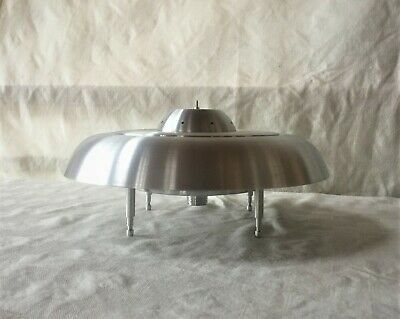 UFO Mid Century Machine Age Industrial Sci Fi Flying Saucer model Lamp