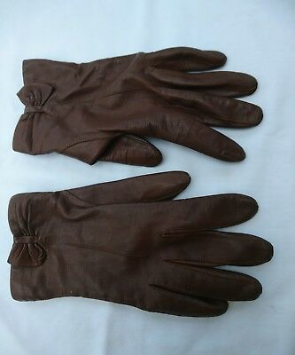 Vintage brown 1960s/1970s Ladies Leather short Gloves. M. Everyday/Driving
