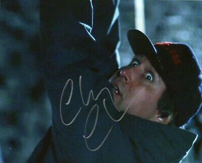 Autographed Chevy Chase signed 8 x 10 photo Christmas Vacation Nice