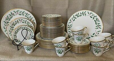 Lenox Dimension Collection Holiday China 54 Pieces Holly Red Berries Gold Trim
