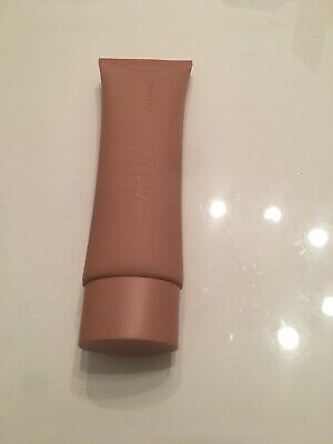 Sold Out KKW Beauty Skin Perfecting Body Foundation *LIGHT/MEDIUM * (READ)