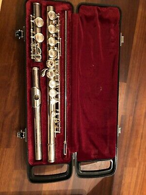 Yamaha 211 SII Student Flute Complete With Original Hard Case