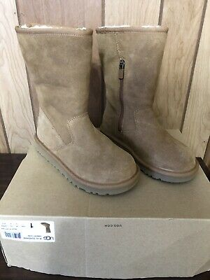 Brand New Girls Ugg Boots Size 1