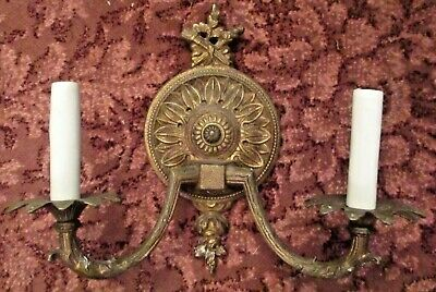 Antique ornate  Victorian brass 2 light electric wall sconce lamp