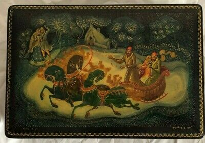 Russian Lacquered Box Hand-Painted Lovers  In Sleigh  With Horses