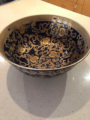Beautiful Chinese Porcelain Blue and Gold Bowl