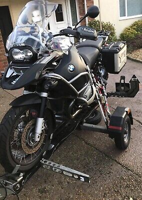 BMW GS A 1200cc Adventure 2009 plus MOTOLUG Trailer