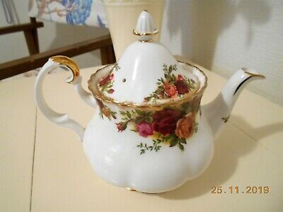 Royal Albert Old Country Roses Two Cup Teapot . CHIPPED.