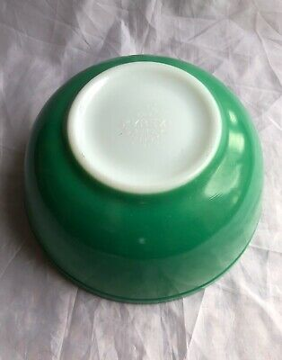 Vintage Primary Green Pyrex Mixing Bowl #403 Bright Color