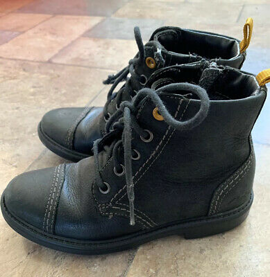 Girls Clarks Black Leather Ankle Boots UK 11.5F - Worn a few times