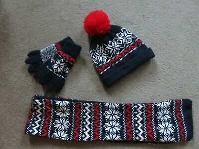 Primark Young Boys, Hat, Scarf And Gloves, Size S/M.