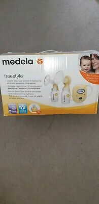 Medela Freestyle double electric breast pump bundle used VGC