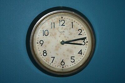 Vintage Genalex wall clock - bakelite - working