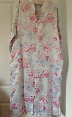 Unusual Kimono Dressing Gown/Robe Mandarin Collar and Front Zipper Unworn VGC