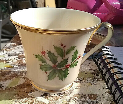 Lenox HOLIDAY DIMENSION Collection,10 cups/saucers/salad plates/tablecloth,NEW