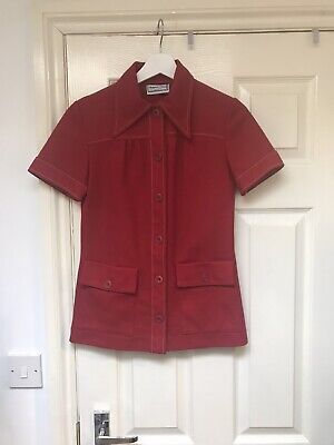 Gorgeous bright red vintage top size 8/10. Very Mod/60s