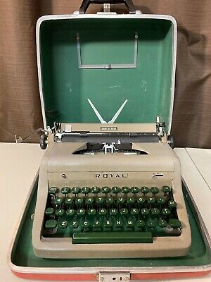 1954 Royal Quiet Deluxe Typewriter With Case.
