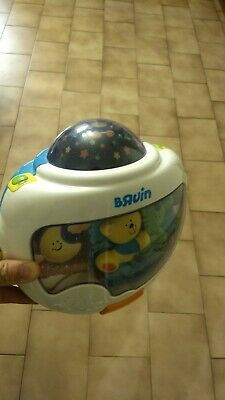 Baby musical bedside toy with ceiling projection