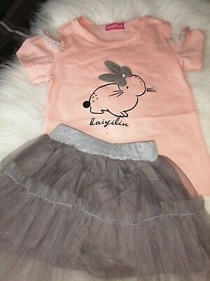 Girls pretty 2 piece set Rabbit Cold Shoulder Top And Grey Tutu Age 2-3 Years