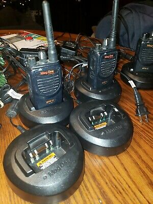 Mag one BPR40 Radios Lot Of 4 Radios And 6 Chargers